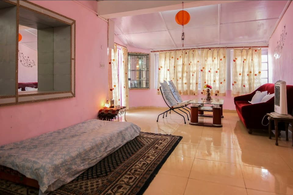 Cosy Cottage Near Mall Road in Mussoorie - Book Room /night