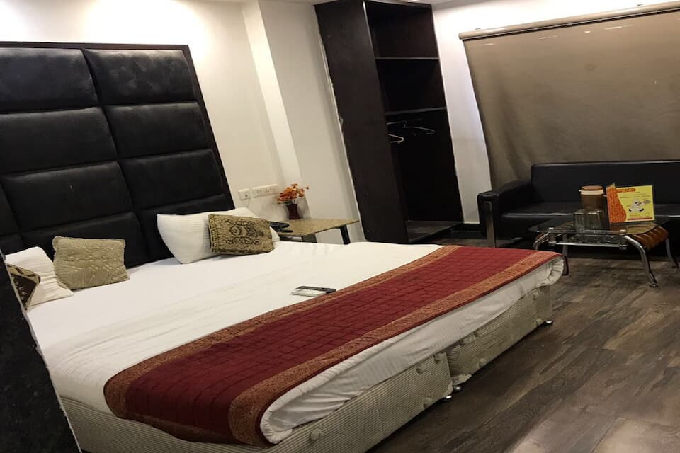 Hotel Royal Residency Dx. @ New Delhi Railway Station, Paharganj, Hotel Royal Residency Dx. @ New Delhi Railway Station