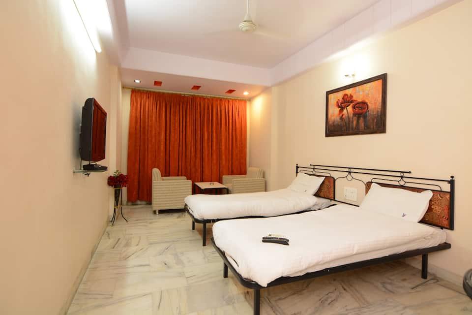 Hotel Vrandavan, NEAR VIJAY TALKIES, Hotel Vrandavan