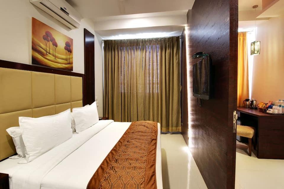 Hotel Sai Jashan, New Pimpalwadi Road,Near Sai T, Hotel Sai Jashan