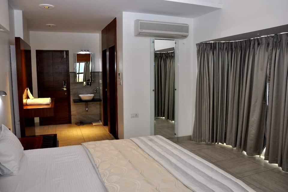 Siddhant Hotel, Nagar Manmad Road, Siddhant Hotel