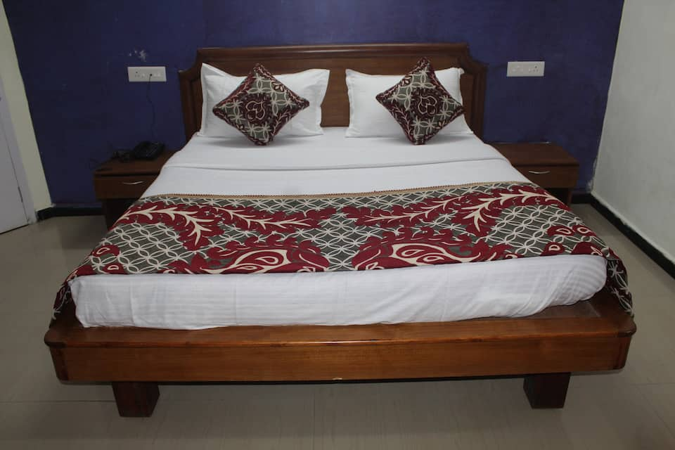 Deluxe Double Bedded Room - Room Only