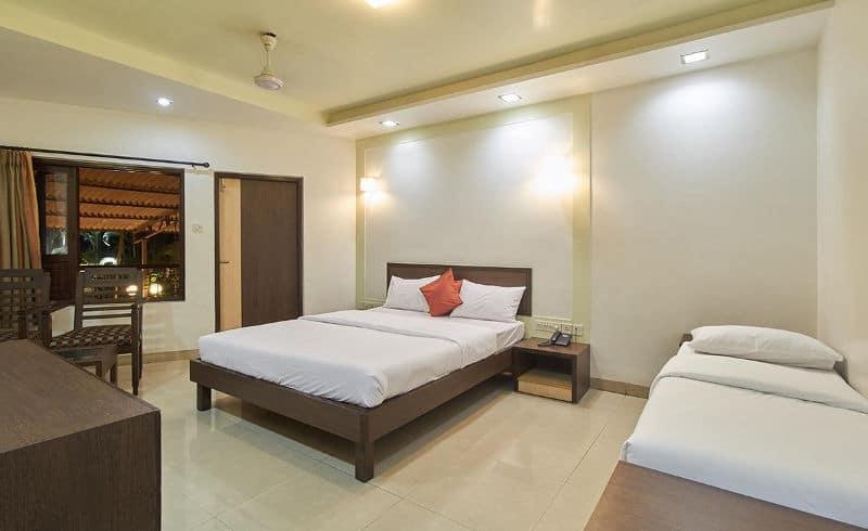 Popular Hotels & Resorts (Yatri Niwas), Pritviraj Chauhan Road, Popular Hotels  Resorts (Yatri Niwas)