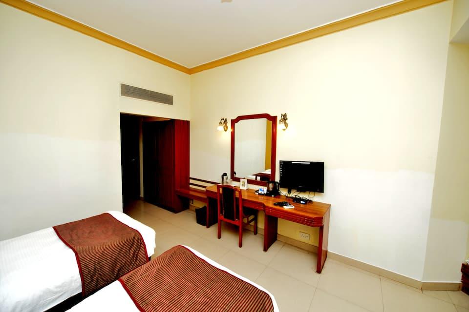 Hotel Vishnupriya, Garden Road, Hotel Vishnupriya