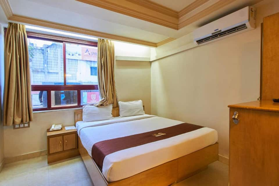 Executive A/c Single Room With Breakfast and Dinner