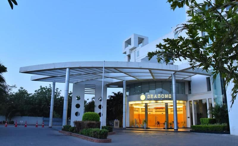 Seasons, Kalavad Road, Seasons