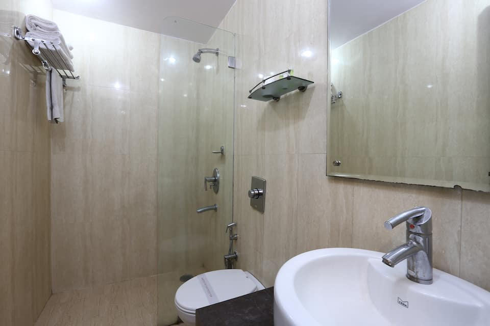 Hotel Kingston Park, Karol Bagh, Hotel Rupam Kingston Park