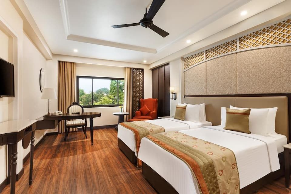 Superior Room Double with Queen Bed - Room Only