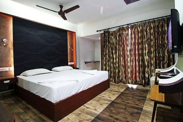 Hotel International Madurai, Meenakshi Amman temple, Hotel International Madurai