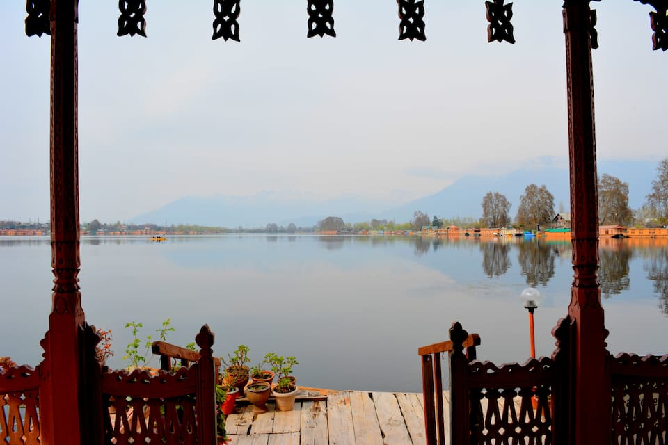 Golden Flower Houseboats, Nagin Lake, Golden Flower Heritage Houseboat