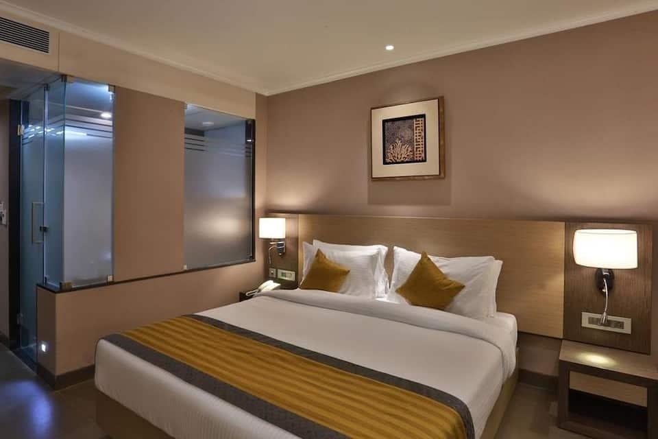 Deluxe Room With Breakfast - Yatra Smart