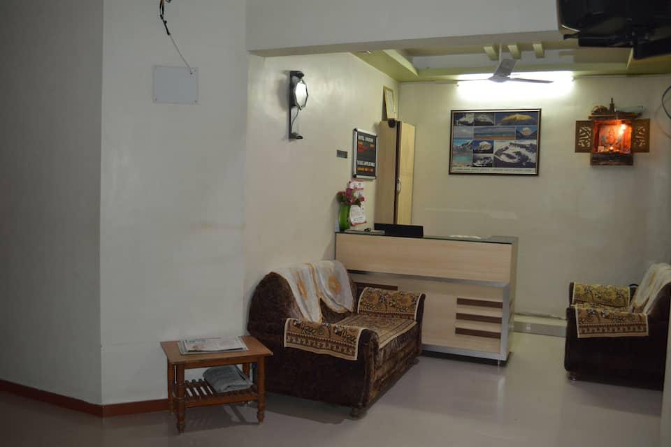 Hotel Shugun, Nr Shalimar Cinema, Hotel Shugun