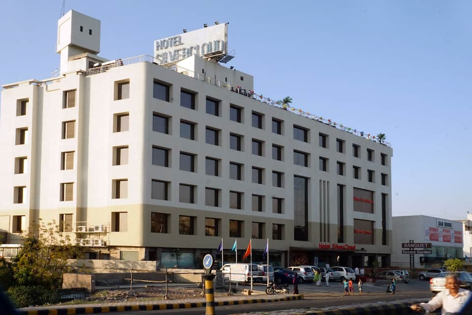Hotel Silver Cloud, Wadaj, Silver Cloud Hotel  Banquets Ahmedabad