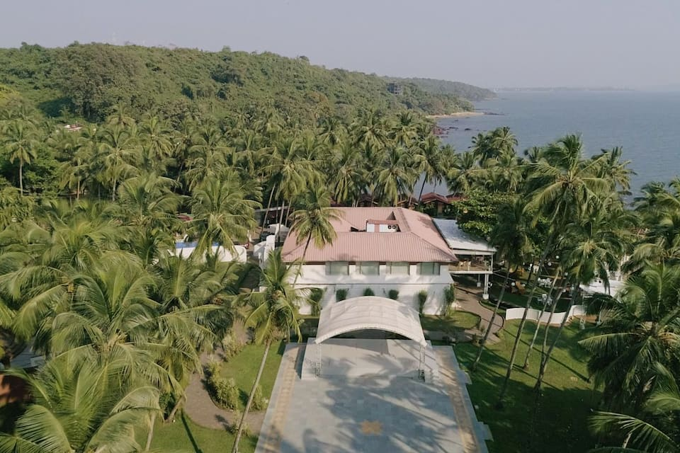 Cabana By The Bay at Bay 15, Dona Paula, Cabana By The Bay at Bay 15