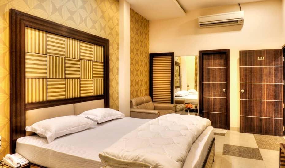 Hotel Puri Palace, Near Golden Temple, Hotel Puri Palace