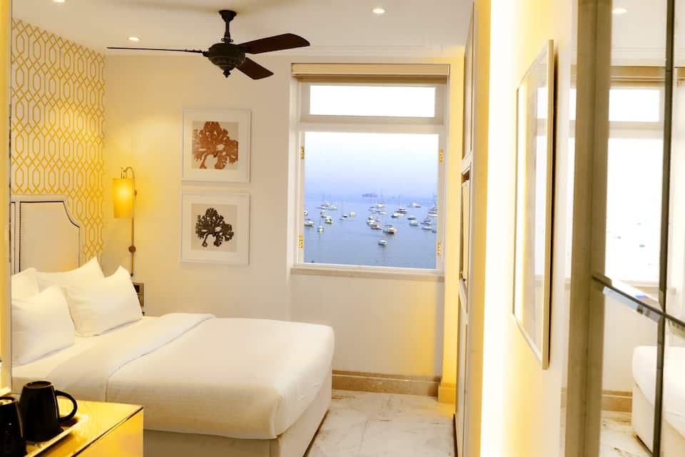 Deluxe Sea Facing Room - Breakfast