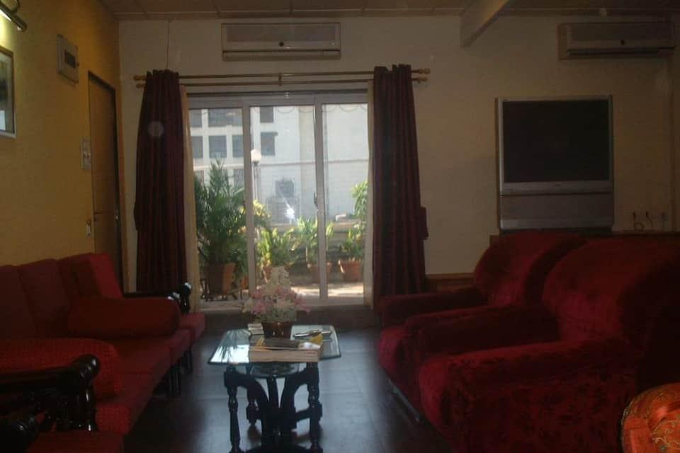 Hotel Samrat, Khar, Hotel Samrat