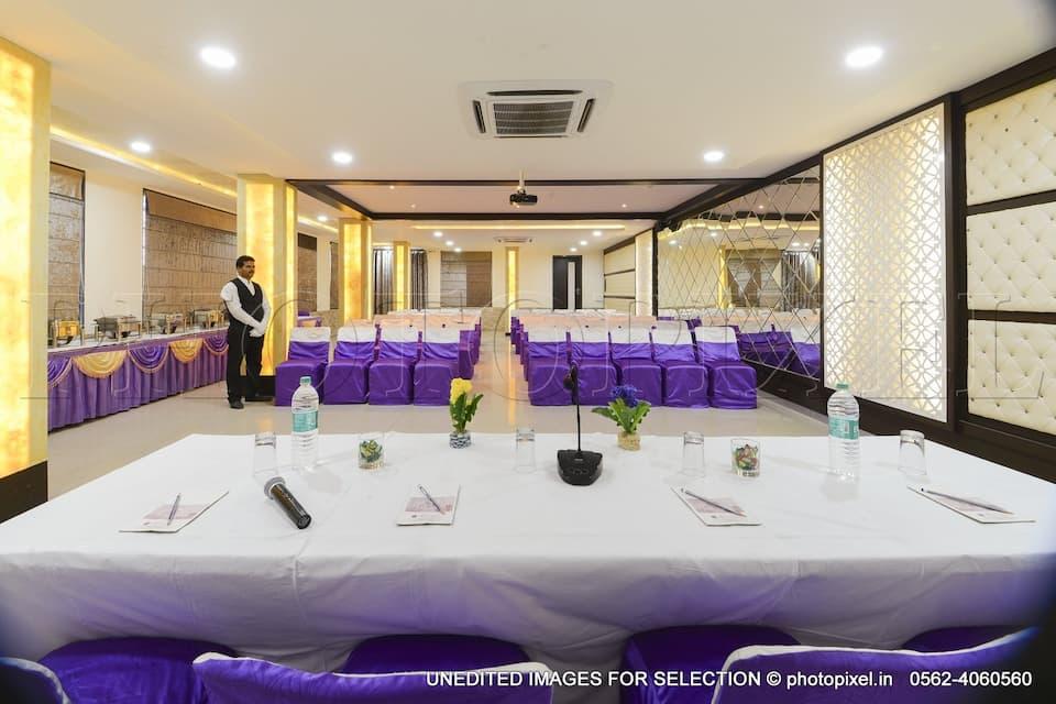 Hotel Palm Galaxy, Sikandra, Hotel Palm Galaxy