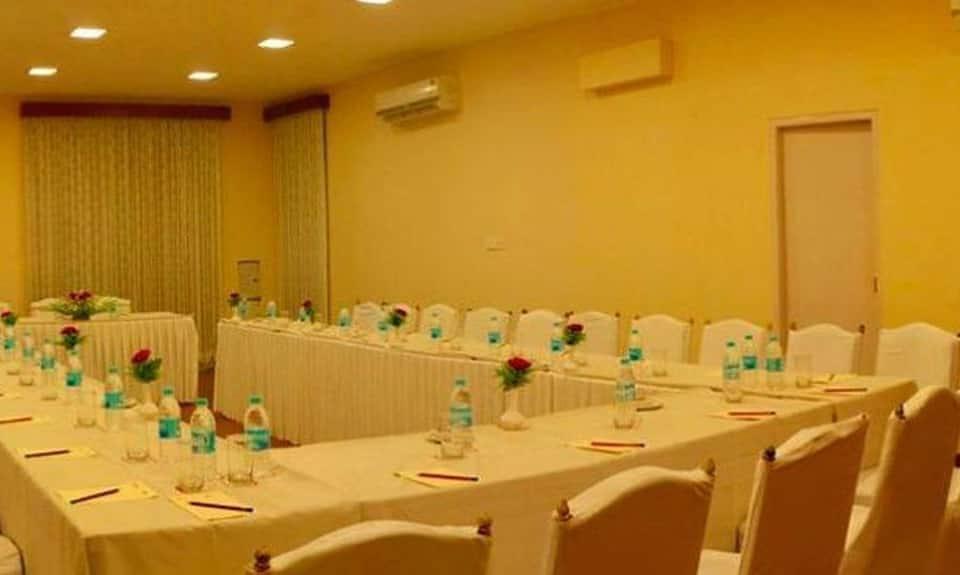 Hotel Clarks Varanasi, Cantonment, Hotel Clarks Varanasi