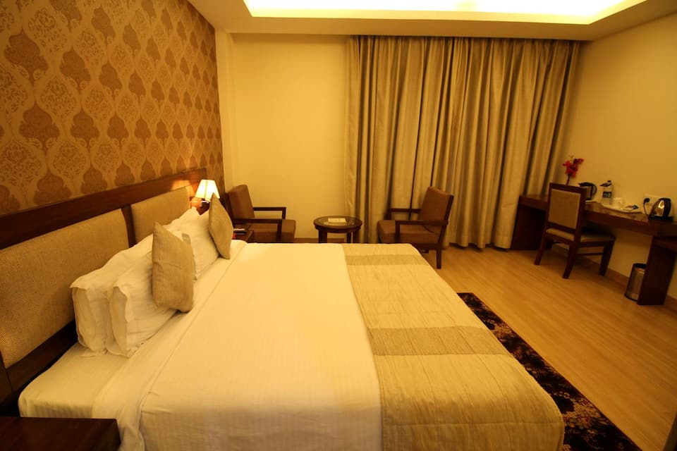 Luxury Double Room with Breakfast