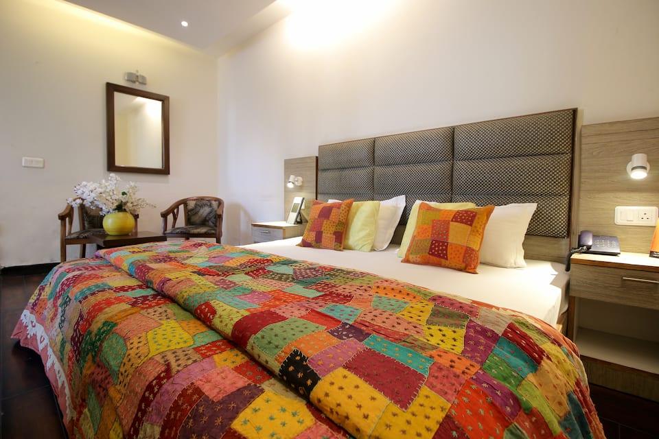 Hotel City Premier, DLF Phase IV, Hotel City Premier