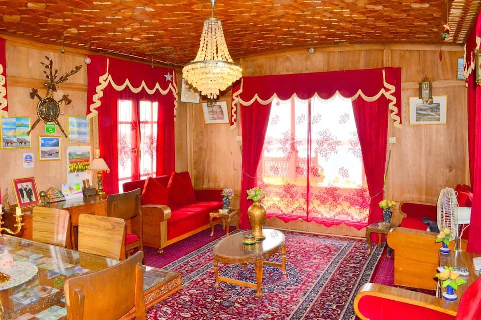 Golden Flower Heritage Houseboat, Nagin Lake, Golden Flower Heritage Houseboat