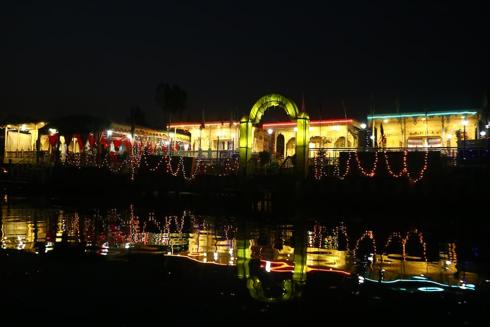 Aziz Palace - Group Of House Boats, Golden Dal Lake, Aziz Palace - Group Of House Boats