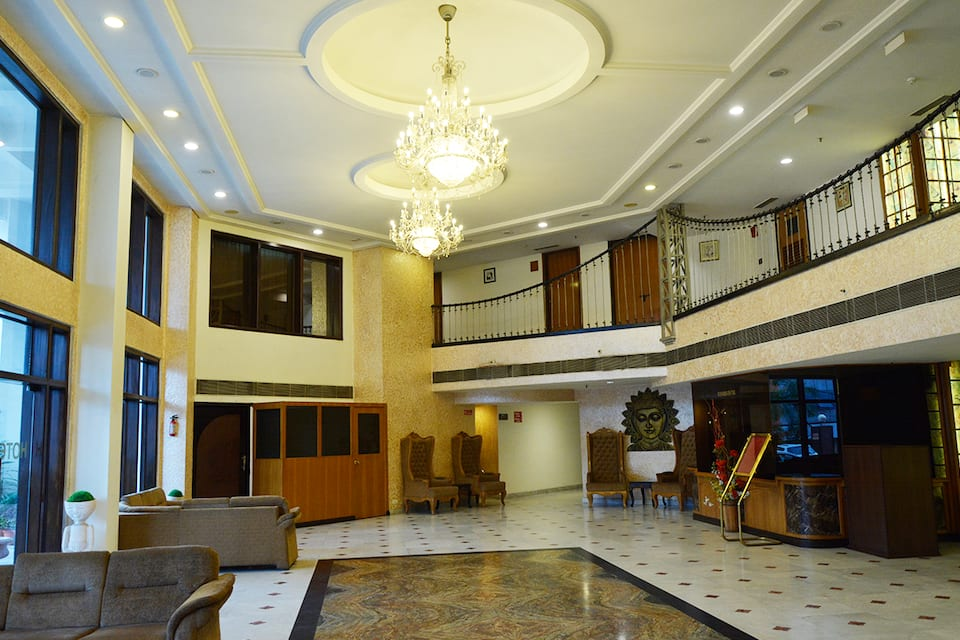 Hotel Pacific, Subhash Road, Hotel Pacific