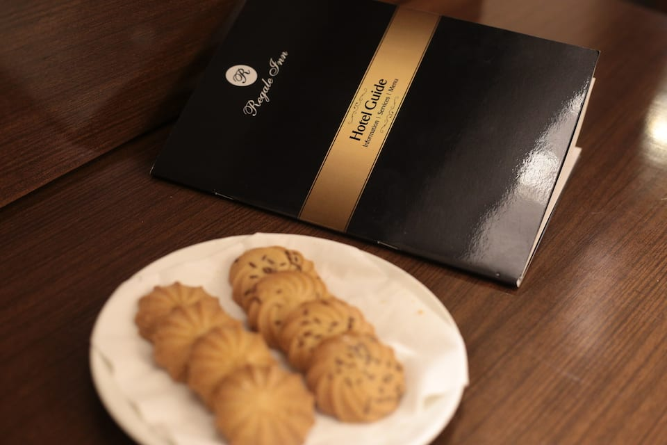 Regale Inn, Chittaranjan Park, Regale Inn