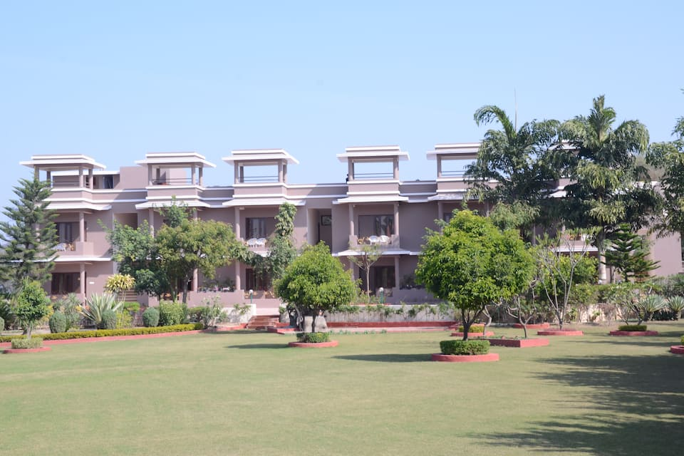 Araliayas Resort, Sisarma, Araliayas Resort