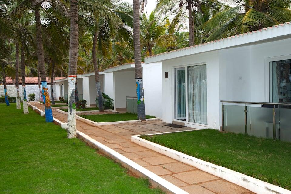 Shelter Beach Resort, none, Shelter Beach Resort