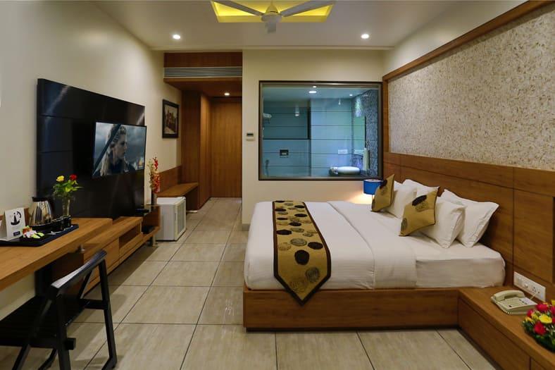 Grand Kailash Hotel, Jalna Road,  Grand Kailash Hotel