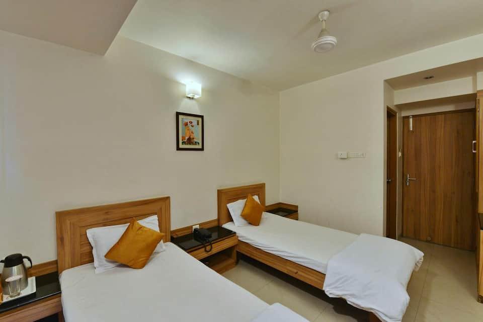Hotel Mayuri, M P Nagar, Hotel Mayuri