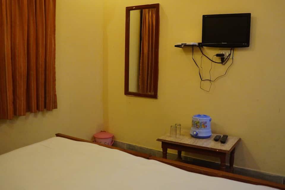 Hotel Maru Palace, Hanuman Circle, Hotel Maru Palace
