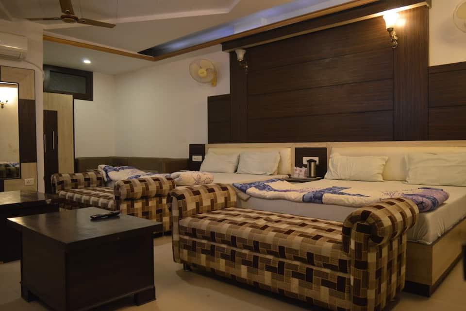 Hotel Eminent, M G Road, Hotel Eminent