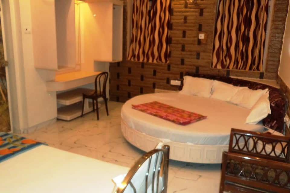 Hotel Blue Bird, Colaba, Hotel Blue Bird