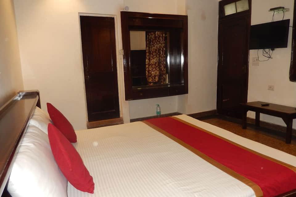 White House Tourist Lodge, Paharganj, White House Tourist Lodge