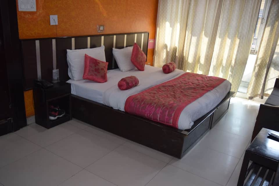 Hotel Trishul, Laltaro Bridge, Hotel Trishul
