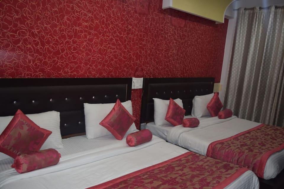 Hotel Trishul, Station Road, Hotel Trishul