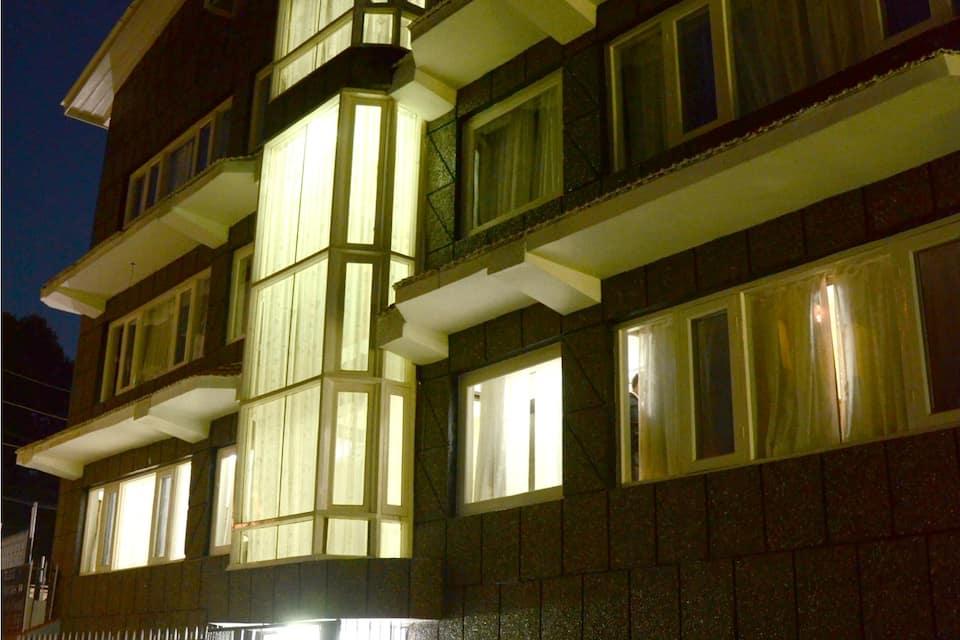 Hotel Pacific, Dalgate, Hotel Pacific