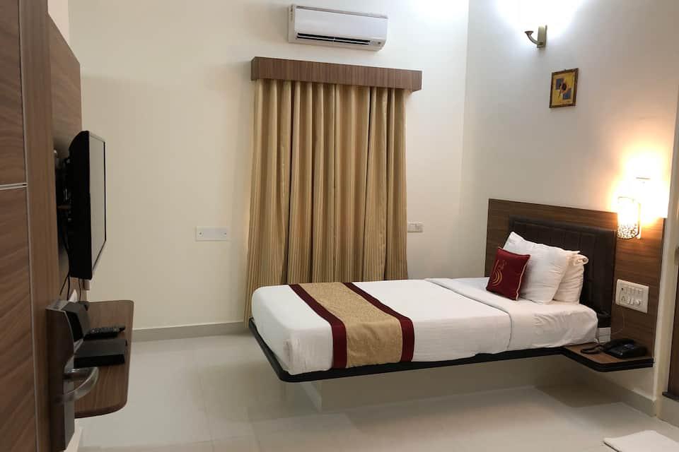 Hotel Grand Bee, Yeshwanthpur, Hotel Grand Bee