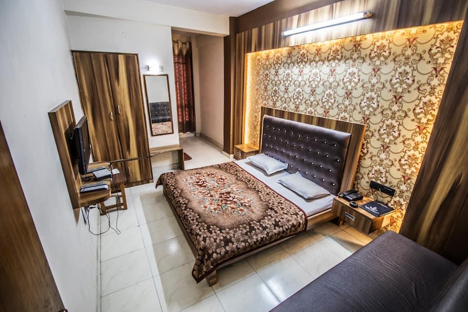 Hotel Gaurav, Hamidia Road, Hotel Gaurav