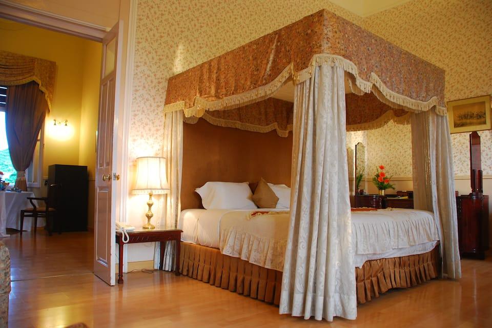 Lalitha Mahal Palace Hotel, Nazarbad, Lalitha Mahal Palace Hotel