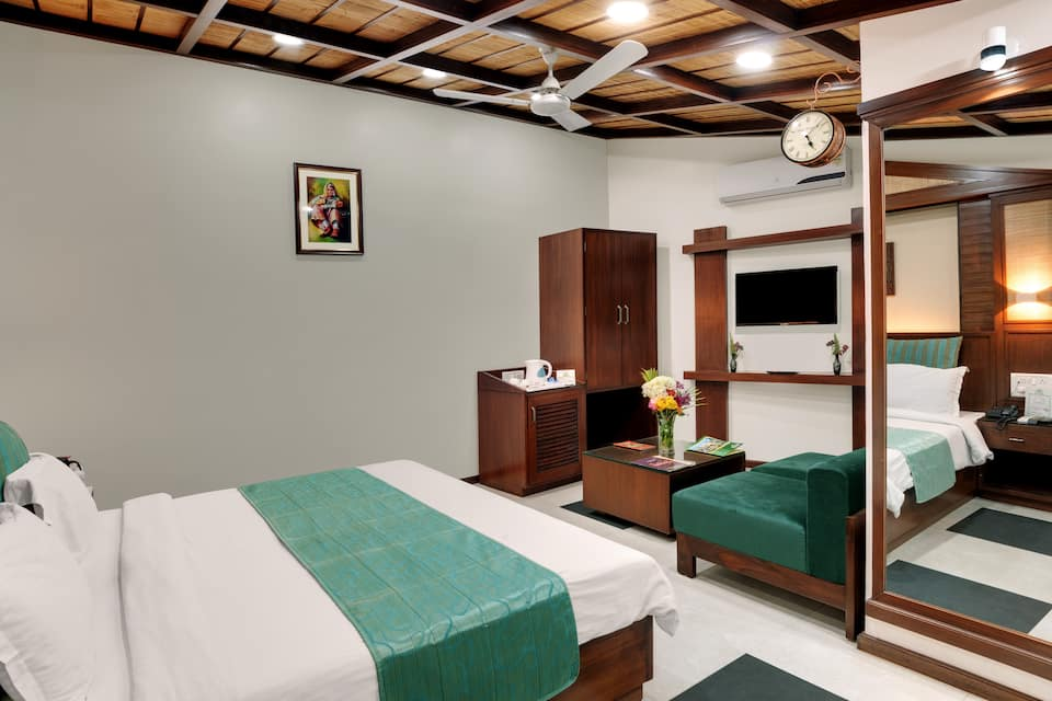 Family Suite Room with Breakfast