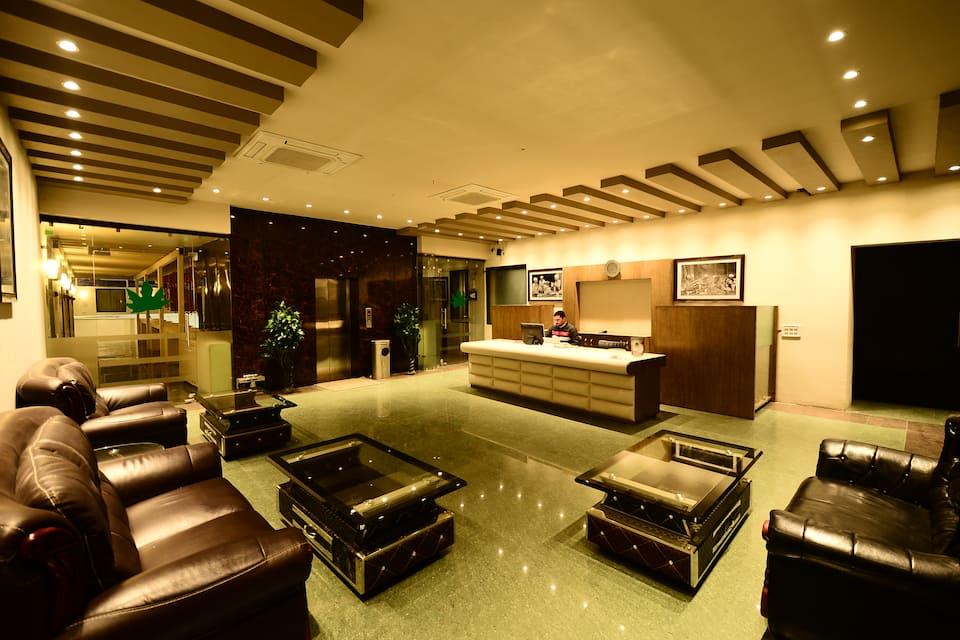 Hotel Aksa, none, Hotel Aksa