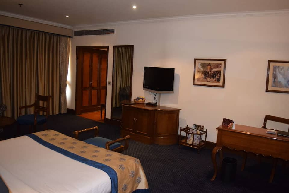 Premium Double Room with Breakfast  One Major Meal