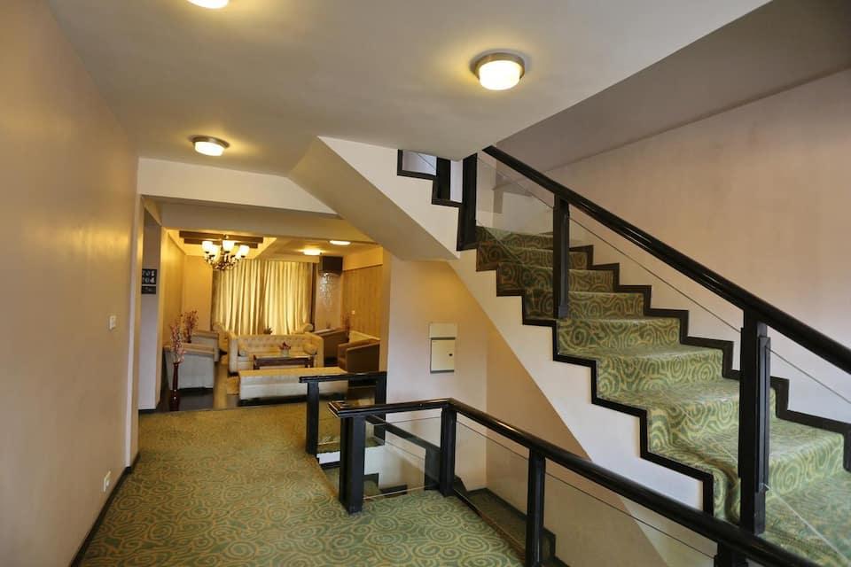 Hotel Pine Spring, Near Gondola, Hotel Pine Spring