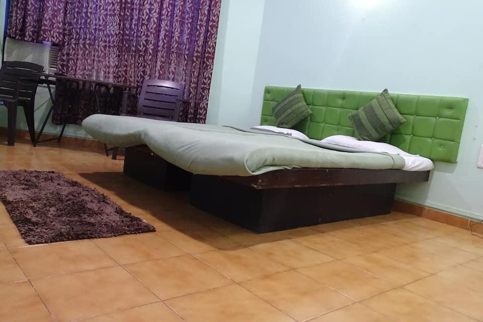 Hotel Alpha, Maruti Mandir, Hotel Alpha