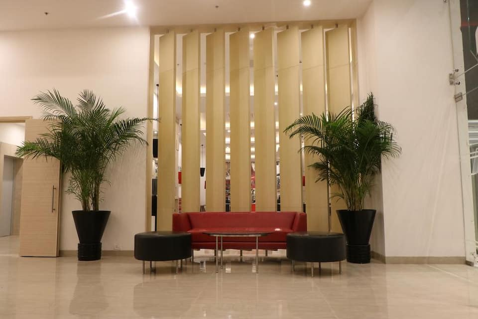 Red Fox Hotel Sec 60, DLF Phase I, Red Fox Hotel Sec 60