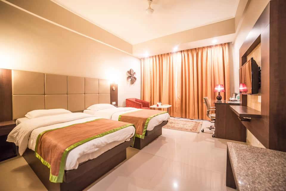 Diamond Hotel, Bhelupura, Diamond Hotel